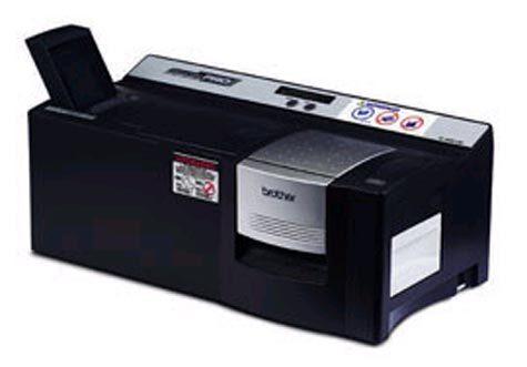 brothertimbri Brother Digistamp SC-2000 USB StampCreator2 GENERATORE ISTANTANEO DI TIMBRI PREINCHIOSTRATI. Inclusi: 5 timbri, kit pellicole per 150 timbri, lampada Xeno per 3000 timbri, penna correzione timbri, software per Windows 98 NT 4.0, XP, cavo seriale, cavo USB,  manuali in italiano..