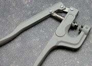 legatoria Pinza applicatrice capicorda tubetto/ T  Per applicare capicorda a T codice leg2896 e leg2895, e per capicorda a tubetto  codice leg2962 e leg2963.