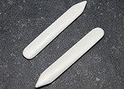 legatoria Osso, pieghetta, 120 cm Per piegare e lisciare Lunghezza 120mm. Attrezzo indispensabile al legatore per ogni operazione di piegatura e per formare il canaletto.
