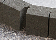legatoria Cuscinetto distanziatore adesivo pretagliato 20x20x12mm NERO. In schiuma EPDM, densità 100kgxm3. Adesivo acrilico permanente su un solo lato. .