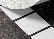 legatoria Bollini BlackMark diametro 25mm TRASPARENTI, adesivo permanente, in rotolo, con perforazione per la rottura del bollino se si tenta di rimuoverlo.