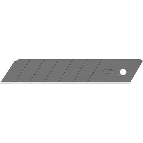 gbc Lama di ricambio brunita Olfa Excel Black HBB adatta a tutti i cutter a lama larga 25 mm. Lama a 6 settori tranciabili da 12 mm ciascuno. Fornita in comodo e resistente case plastico da 5 lame. Lunghezza: 126mm, altezza: 25mm, spessore: 0,7mm. Compatibile con cutter H-1, NH-1, XH-1, XH-AL, HSW-1. Prodotto originale giapponese. MADE IN JAPAN.