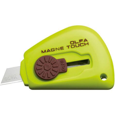 gbc Cutter tascabile magnetico Olfa TK-3M VERDE taglierino portatile magnetico con lama in acciaio inox. Grazie alla calamita interna è possibile l'adesione su qualsiasi superficie metallica.
