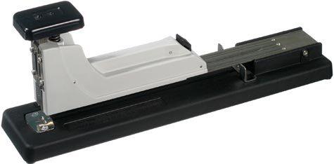 gbc Cucitrice Skrebba Skre-112 Lang per alti spessori a braccio lungo per blocchi con pomello utilizza i punti serie 23-6, 23-8, 23-10, 23-12, 23-13s. Carica fino a 100 punti. Profondità di inserimento 23cm. Capacità di cucitura fino a 100 fogli (10mm). MADE IN GERMANY.