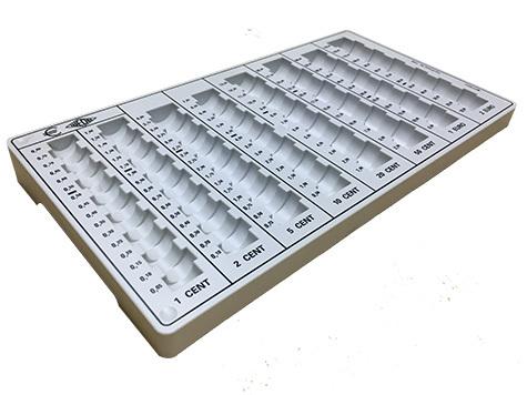 gbc Contenitore porta monete euro WEDO2 per tutte le monete in euro e centesimi. Permette di contare e ordinare rapidamente le monete, garantendo un notevole risparmio di tempo. Con 8 colonne per tutti i tagli con indicazione dell'importo contenuto. Contiene 500 monete: 0,01x80, 0,02x80, 0,05x80, 0,10x70, 0,20x65, 0,50x60, 1x60, 2x65.